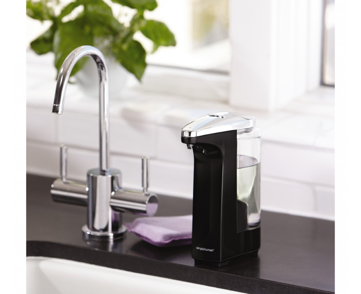 simplehuman | 237ml sensor pump with soap sample, black